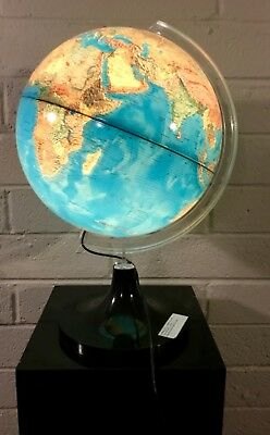Rare Large Illuminated Lighted World Globe VGC Super cool the light is very nice