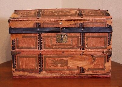 A Distress Old Leather Wood Antique Vtg Victorian Steamer Mini Travel Trunk Doll
