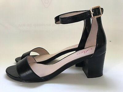 Leona by Leona Edmiston black shoes. Size 39.