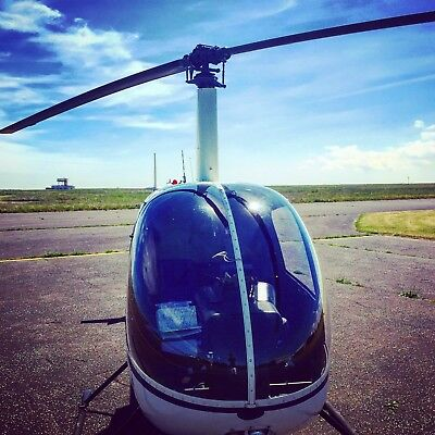 Helicopter Flying Lesson Gift Voucher - Manston Airport 20 Minutes R22