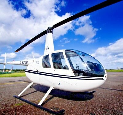 Helicopter Flying Lesson Gift Voucher - Manston Airport 20 Minutes R44