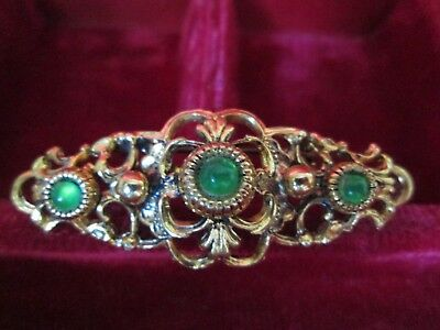 Vintage Jewellery Gorgeous Gold Pierced Emerald Glass Bar Brooch Shawl Pin