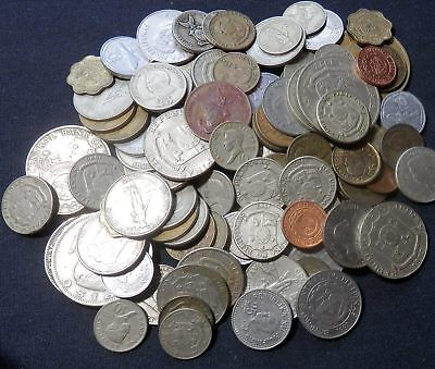 Philippines Coins, A Huge Pile 1 Lb, Over Hundred Coins, Old And New Coins