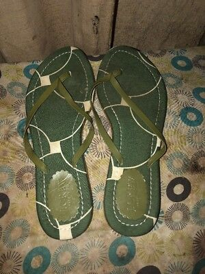 a85f7b18a3ea J Crew Womens Shoes Size 7 Green Flip Flop Thong Sandals Causal Leather  Flats