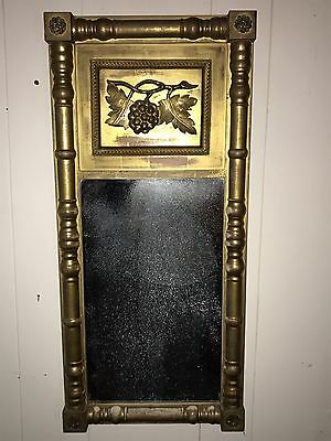 AMERICAN FEDERAL PERIOD MIRROR GOLD LEAF GRAPES AND LEAVES ANTIQUE 18/19thC