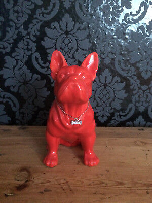 Rote French Bully Statue mit Halsband Bling Bling