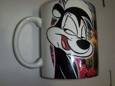 Pepe Le Pew Looney Tunes Xpres Coffee Mug Cup garden smile kiss
