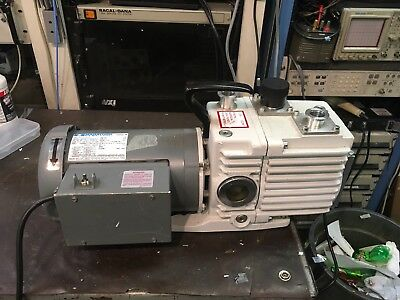 Leybold Trivac D8A Rotary Vane Dual Stage Vacuum Pump TESTED