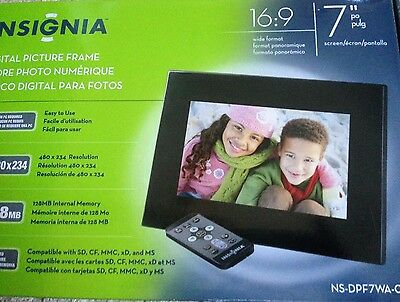 "NEW Insignia Digital Photo frame Black 7"" 128MB picture frame perfect gift"
