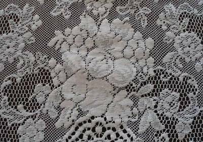 Vintage Quaker Lace Tablecloth Fruit Basket Floral Ivory Cotton Picots 83""