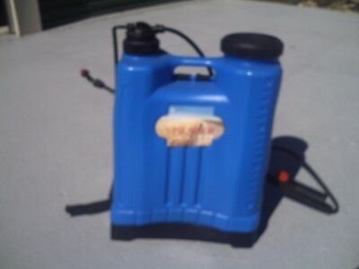 20L Backpack Sprayer for Garden Farm - Pump Spray Weed Killer or other.