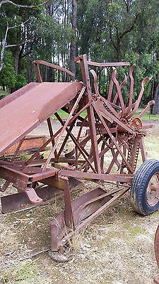 Square Hay Bale Loader, Messey Ferguson, Rotary Pick up