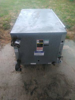 water to air McQuay WCCH 060 heat pump heating 20.3kW / cooling 17,5kW