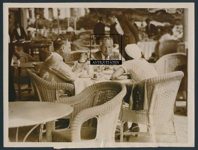 Charlie Chaplin Original Foto ca. 1935 H. G. Wells & May Reeves in Juan-les-Pins