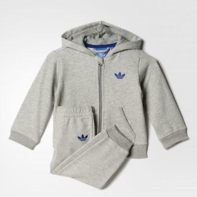 adidas Originals infant boys grey zip up tracksuit. Jogging suit. 0-3M & 3-6M.