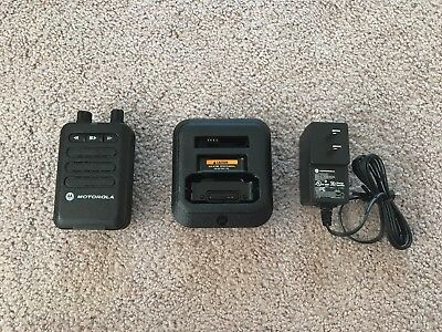 Motorola Minitor VI Pager - UHF 450 - 486 MHz - 1 CH Stored Voice w/ NEW Charger