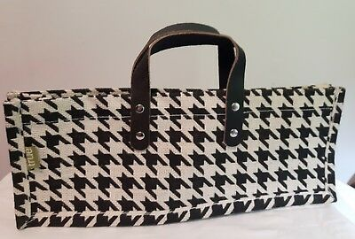 NWOT TRUE FABRICATIONS Houndstooth Single Bottle Jute Wine Bag BLACK/ White