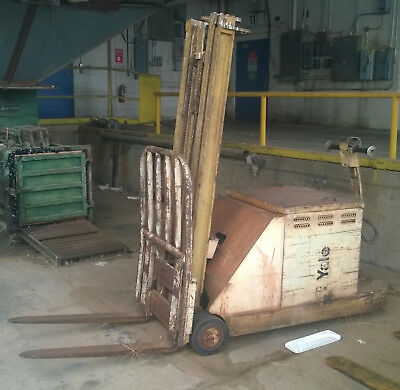 Yale forklift (vintage) with charger