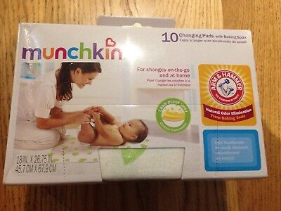 Munchkin Arm & Hammer 10pk Disposable Changing Pads