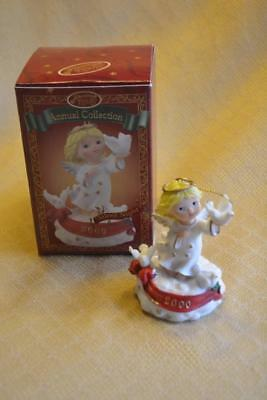 San Francisco Music Box Ornament Christmas 2000 Angel musical Silent Night