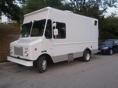 2000 Food Truck Fully-Equipped Turn-Key Mobile Restaurant