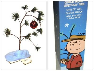 Peanuts Charlie Brown Christmas Xams Tree 18 Inch with Linus Blanket Ornament