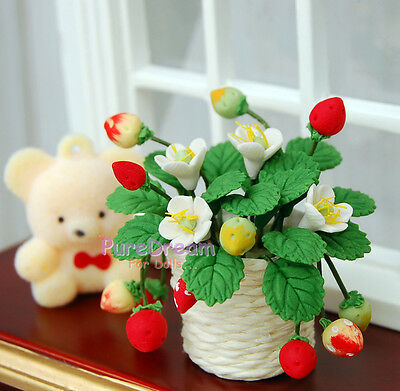 1/12 Dollhouse Minitures Clay Plant Flower Strawberry With Knitted Pot OP008