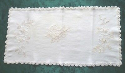 VINTAGE CREAM HAND EMBROIDERED FLORAL DESIGN TABLE RUNNER 65 cms x 33 cms