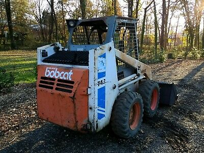 Bobcat 743 skid steer loader diesel engine large snow bucket no reserve auction.