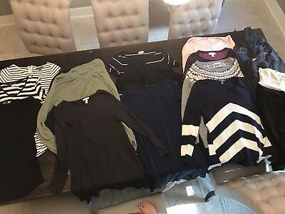 Lot of maternity Clothes - Motherhood Maternity, Gap, Target, Pea in the Pod - M