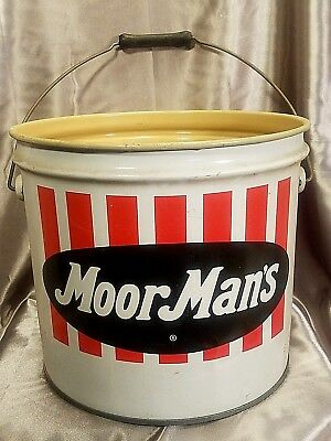 Vintage MoorMan's 3 1/2 Gallon Metal Feed Bucket Pail Red and White No Lid