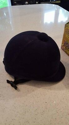 Horse Riding Hat /Charles Owen/ Size 6 7/8/ worn twice/ perfect condition