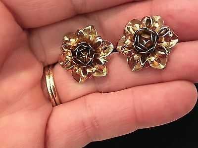 Stunning Pair of 1940's Vintage Gold Tone Ornate Floral Clip on Earrings