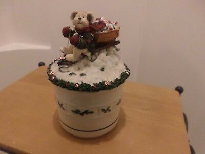Longaberger Pottery Holly Crock With Boyds Bear Topper-Super Cute!!!!