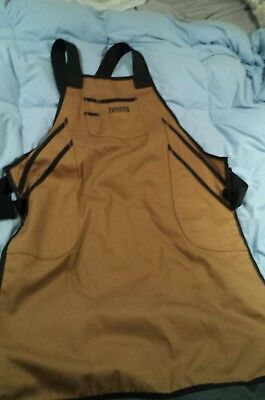 Duluth Trading Co Fire Hose Bib Apron- Excellent Condition