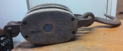 Antique UNION HARDWARE CO Block & Tackle Wooden Cast Iron Double Pulley