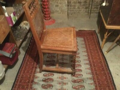 Chaise ancienne cannee