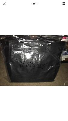 ThirtyOne Thirty-One 31 Gifts Cindy Tote LTD. Black Beauty Dotted Pebble NWT