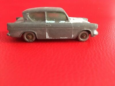 MATCHBOX No 7 FORD ANGLIA MADE IN ENGLAND BY LESNEY