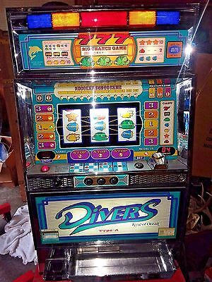 "Nice Vintage ""divers 777"" Cruise Ship Slot Machine With Tokens"