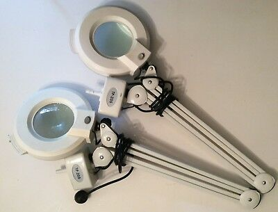 2 Magnifying Lamps