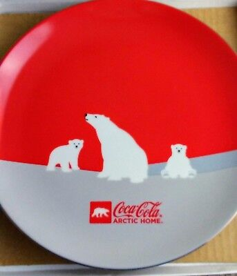 """Coca-Cola Artic Home Polar Bear and Cubs, 9"""" Plate with Box"""