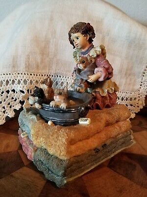 Boyds Bears  'GIRL Giving Puppies a Bath 'MUSIC BOX NICE condition