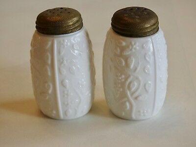 Pair of White CHALLINOR TAYLOR Forget-Me-Not, Tall Salt Shakers