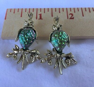 vintage jewelry ~ Pair of parakeet bird scatter pins ~