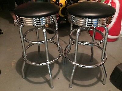 Vintage Look Commercial grade. Bar Stools Awesome !!!Local pick up only