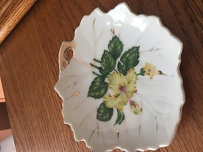 """Vintage Decorative 4 1/2"""" yellow and green white background gold edging on plate"""