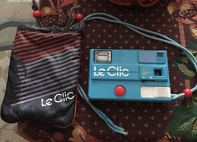 Le Clic Disc Camera & Bag Pouch Vintage 1980s Retro Turquoise Blue Preowned