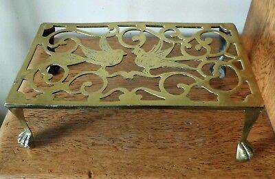 LOVELY ANTIQUE VINTAGE SOLID BRASS TRIVET STAND PIERCED TOP of SCROLL WORK DOVES