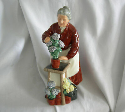 ROYAL DOULTON Flora the Flower Seller Figurine | HN2349 | Vintage 1965